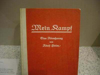 V Německu vychází poprvé po 70 letech nové vydání Mein Kampf