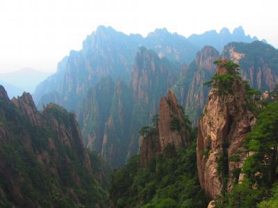Žluté hory - omamná pohádková krajina východní Číny